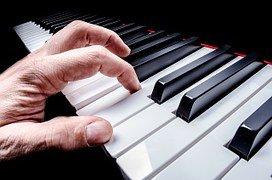 Akkoorden spelen op de piano: zo doe je dat! Deel 3: 5 voorbeelden
